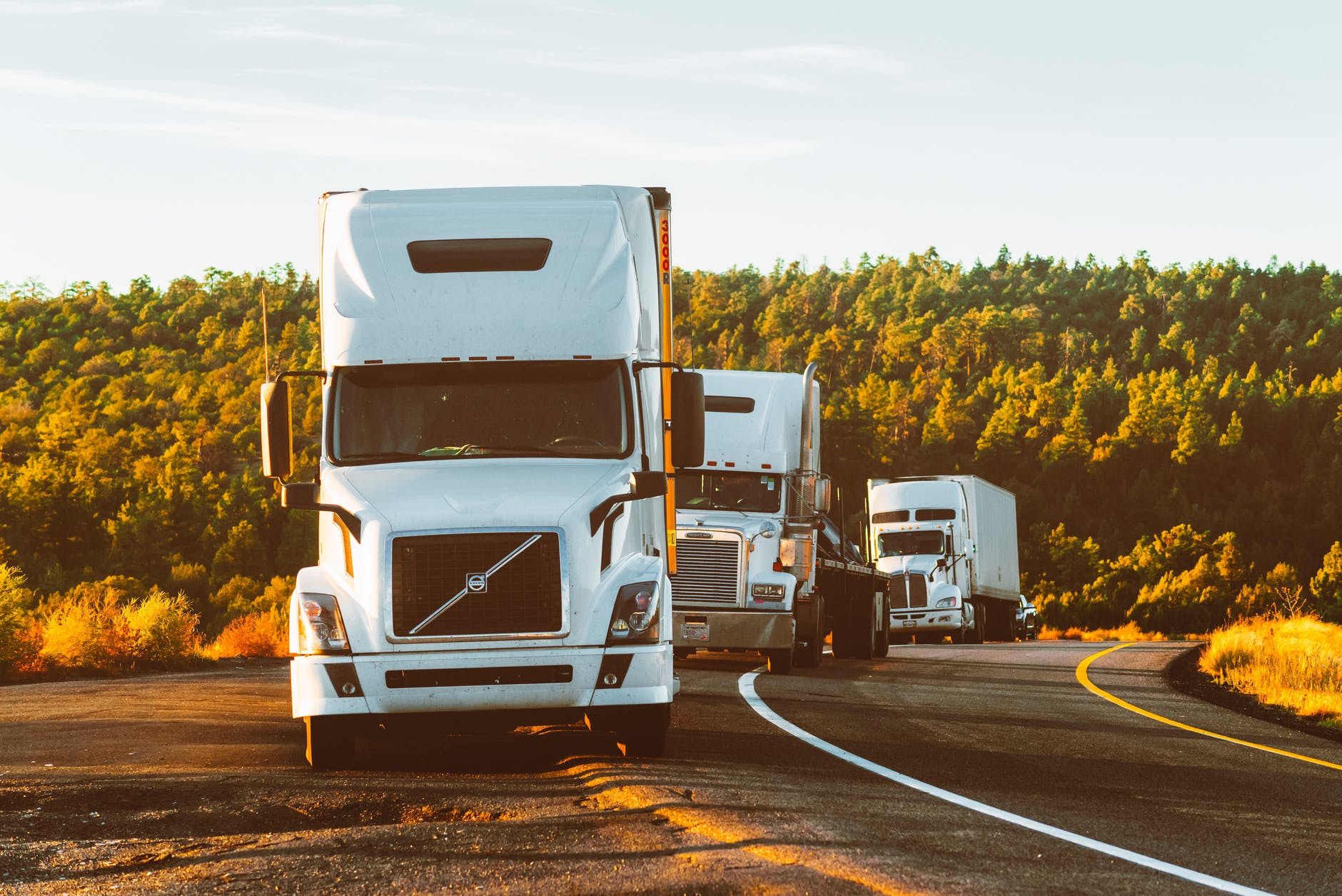 Trucking Companies Help with Smooth Supply Chain Management