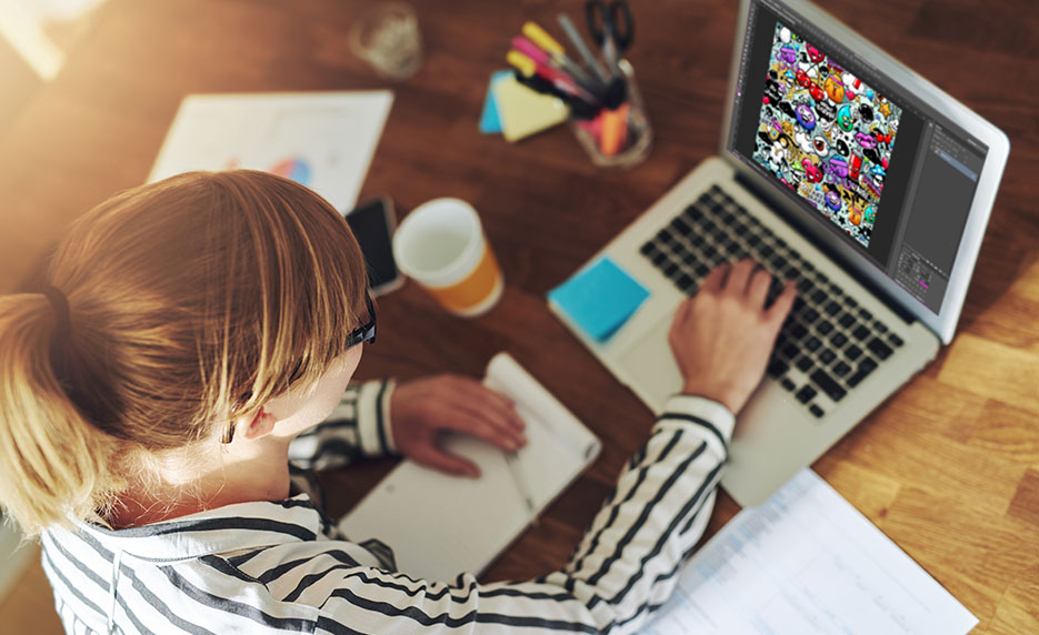 How Diploma in Graphic Design Can Help You to Build Career?