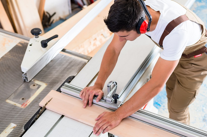 Choose the Right Cabinet Makers for Ensuring Equipped Productivity