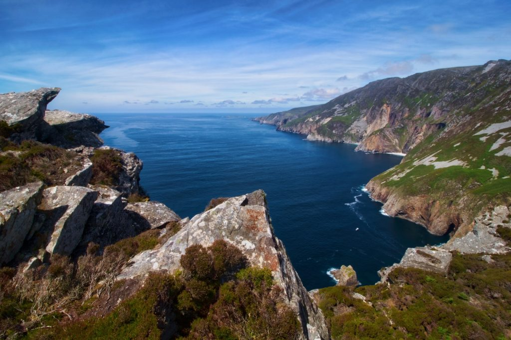 cliff coast daylight 1649273 1
