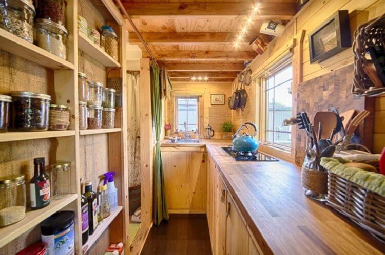 07 One Line Tiny Kitchen
