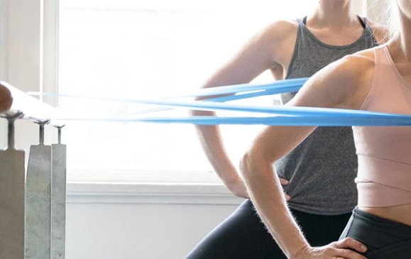 Know what to expect from your first barre exercise class
